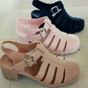 Sepatu Jelly Hak Merek Bara Bara