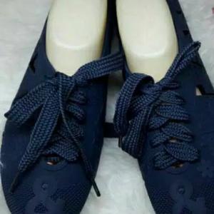 Sepatu Kets Tali Besar Merek Bara Bara